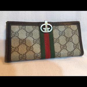 Vintage Gucci Flat Wallet. Brown.